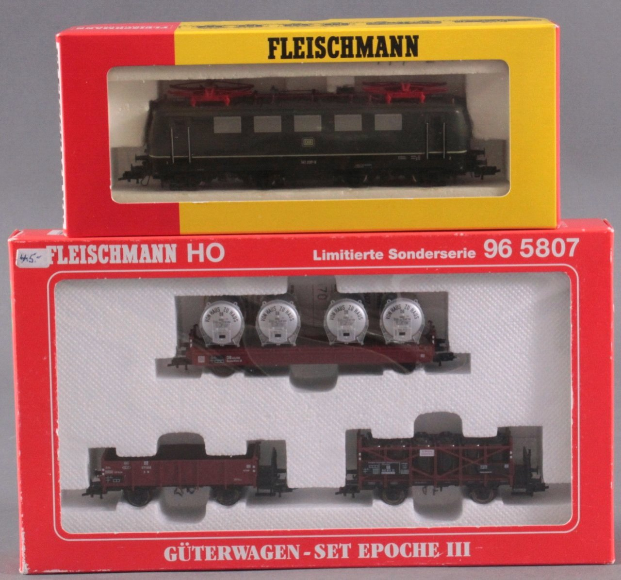 Fleischmann E-Lok mit Güterwagen-Set, Spur H0-3