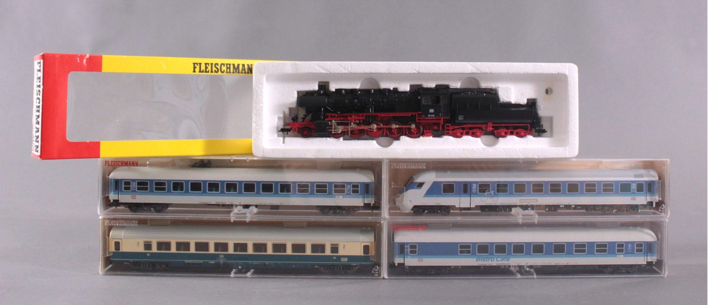 Fleischmann Dampflok 4176 Spur H0 mit Tender und 4 Waggons