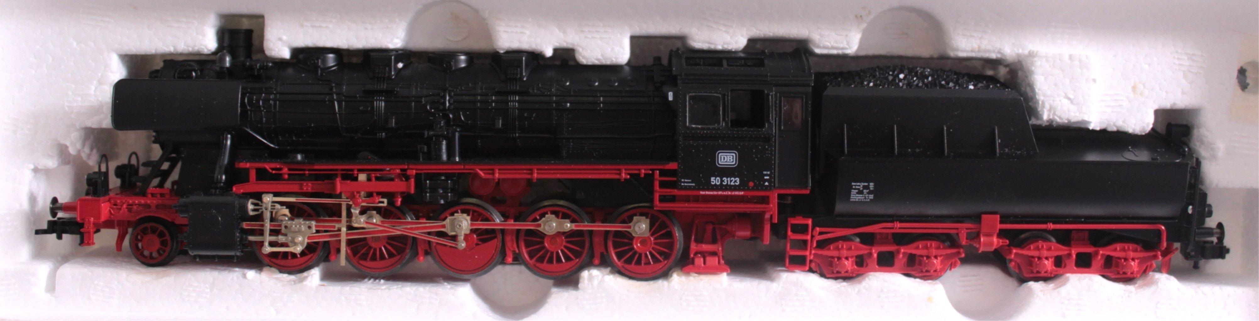 Fleischmann Dampflok 4176 Spur H0 mit Tender und 4 Waggons-1