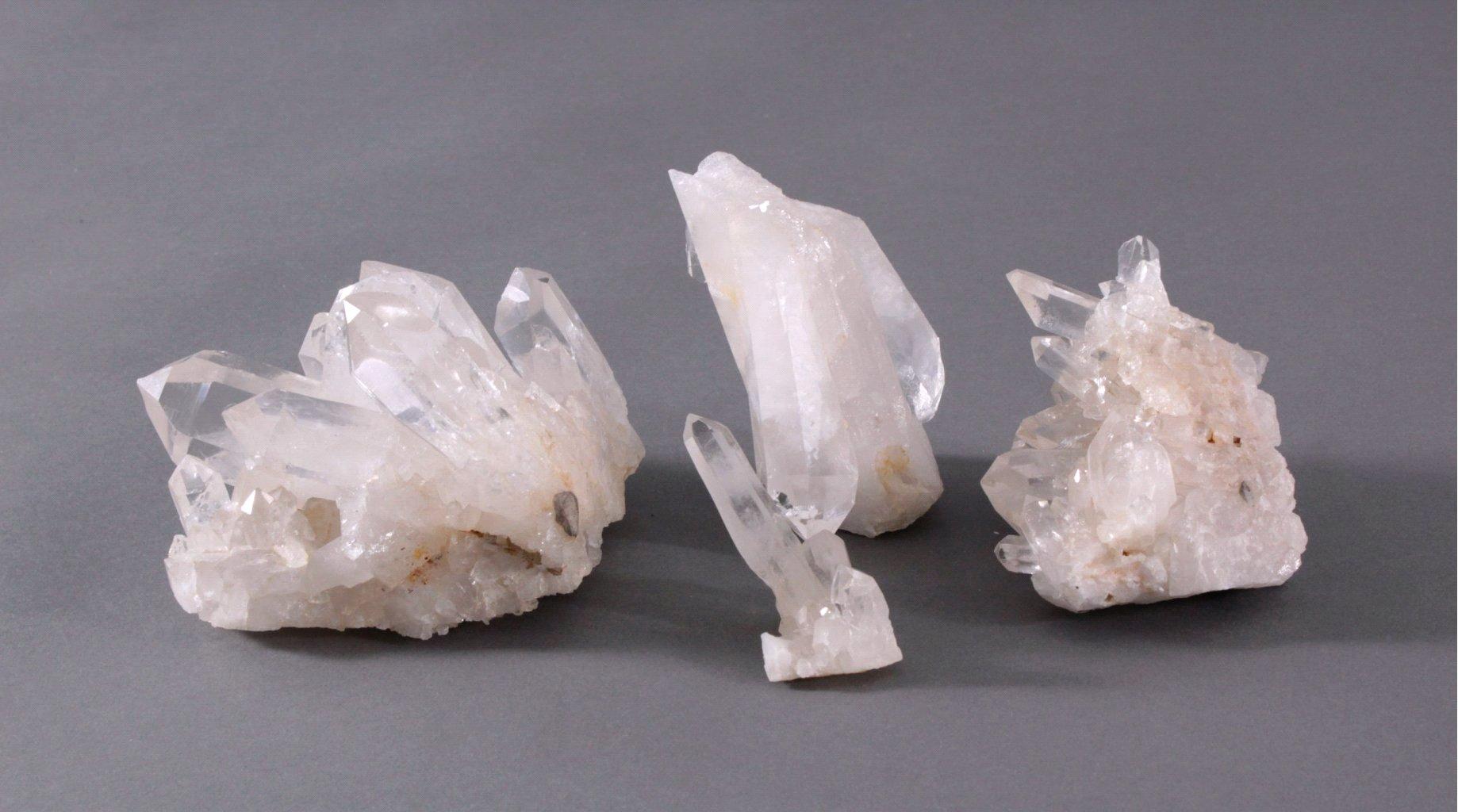 Vier Bergkristallstufen