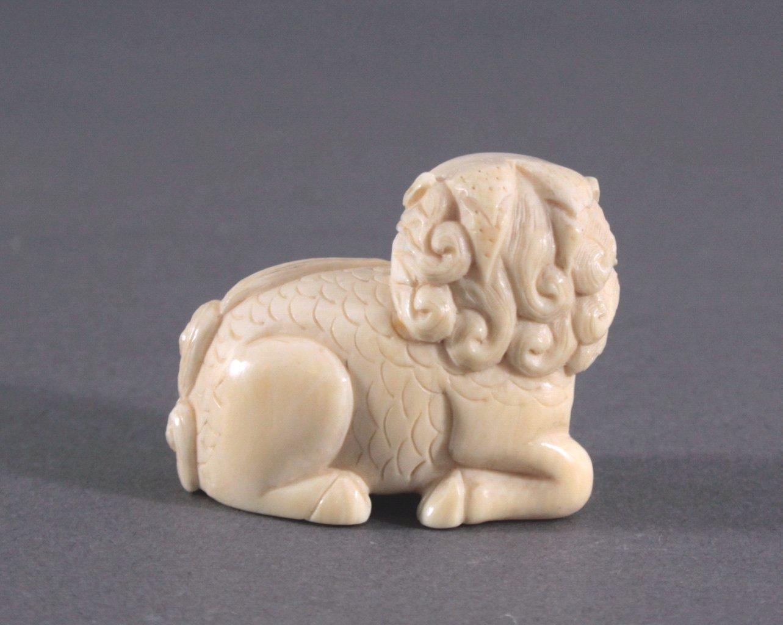 Netsuke, Japan 1. Hälfte 20. Jh., Elfenbein geschnitzt-2