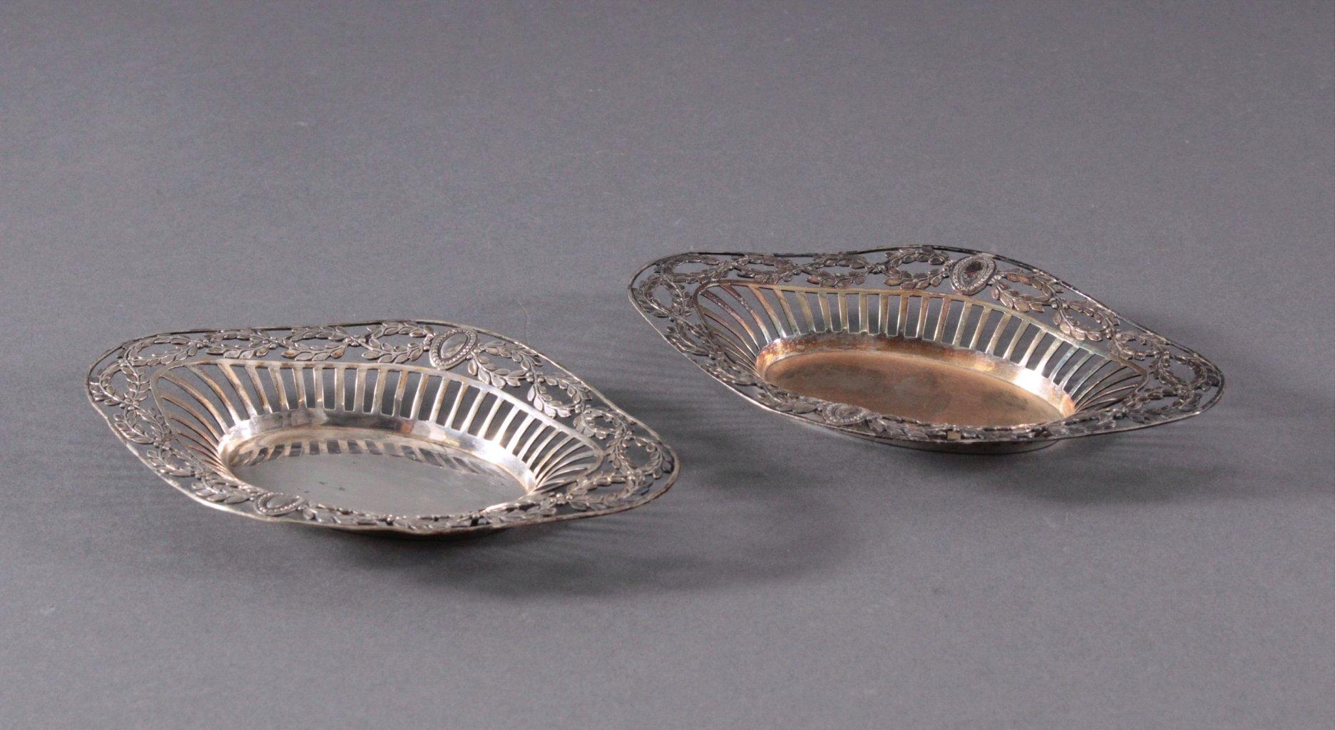 2 silberne Anbietschalen, 800er Silber, deutsche Punze
