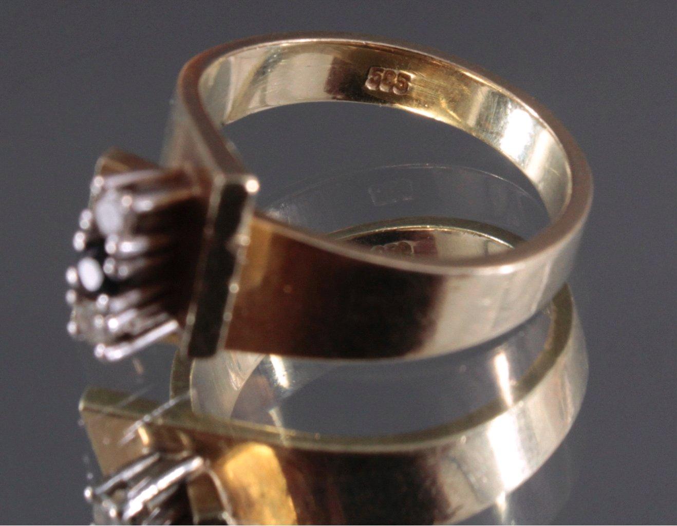 Damenring mit 2 kleinen Diamanten und 1 Saphir-3