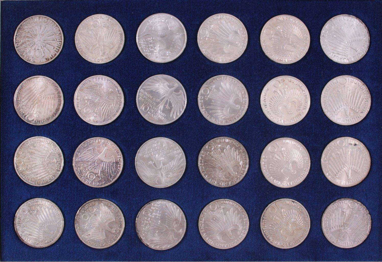 24 x 10 DM Olympia 1972-2