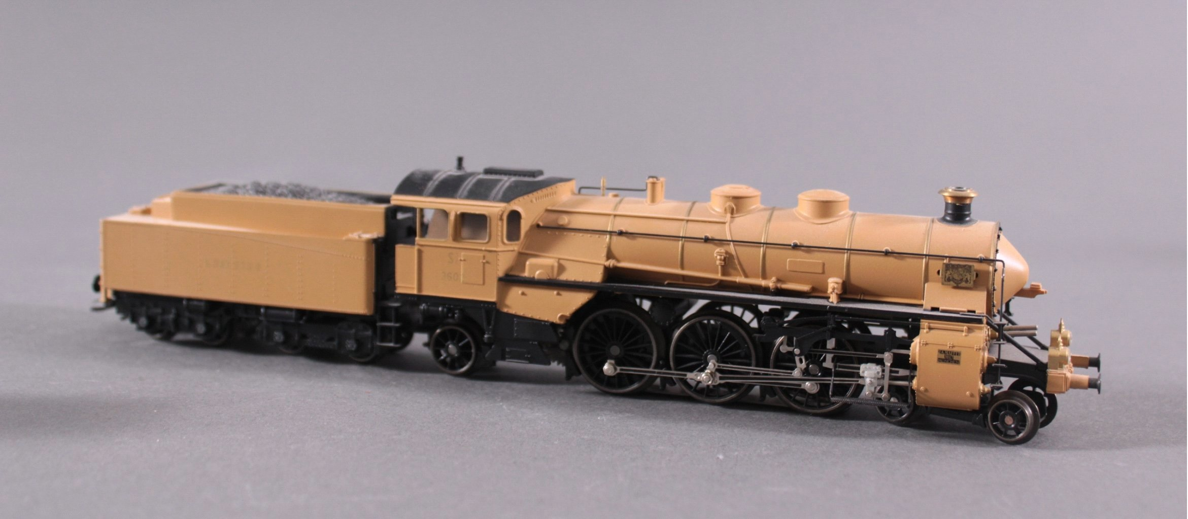 Märklin Dampflok 33185 mit 4 Waggons