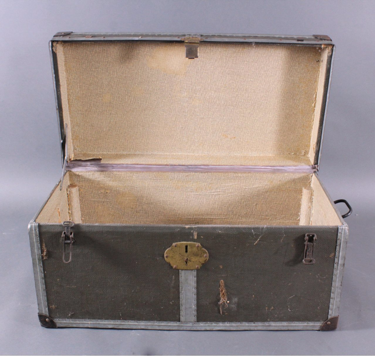 Koffer bzw. Reisetruhe um 1900