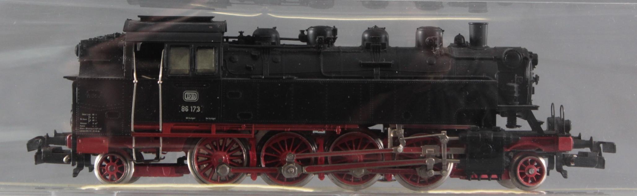 Märklin H0 Dampflok 86 173 mit 6 Fleischmann Güterwaggons-2