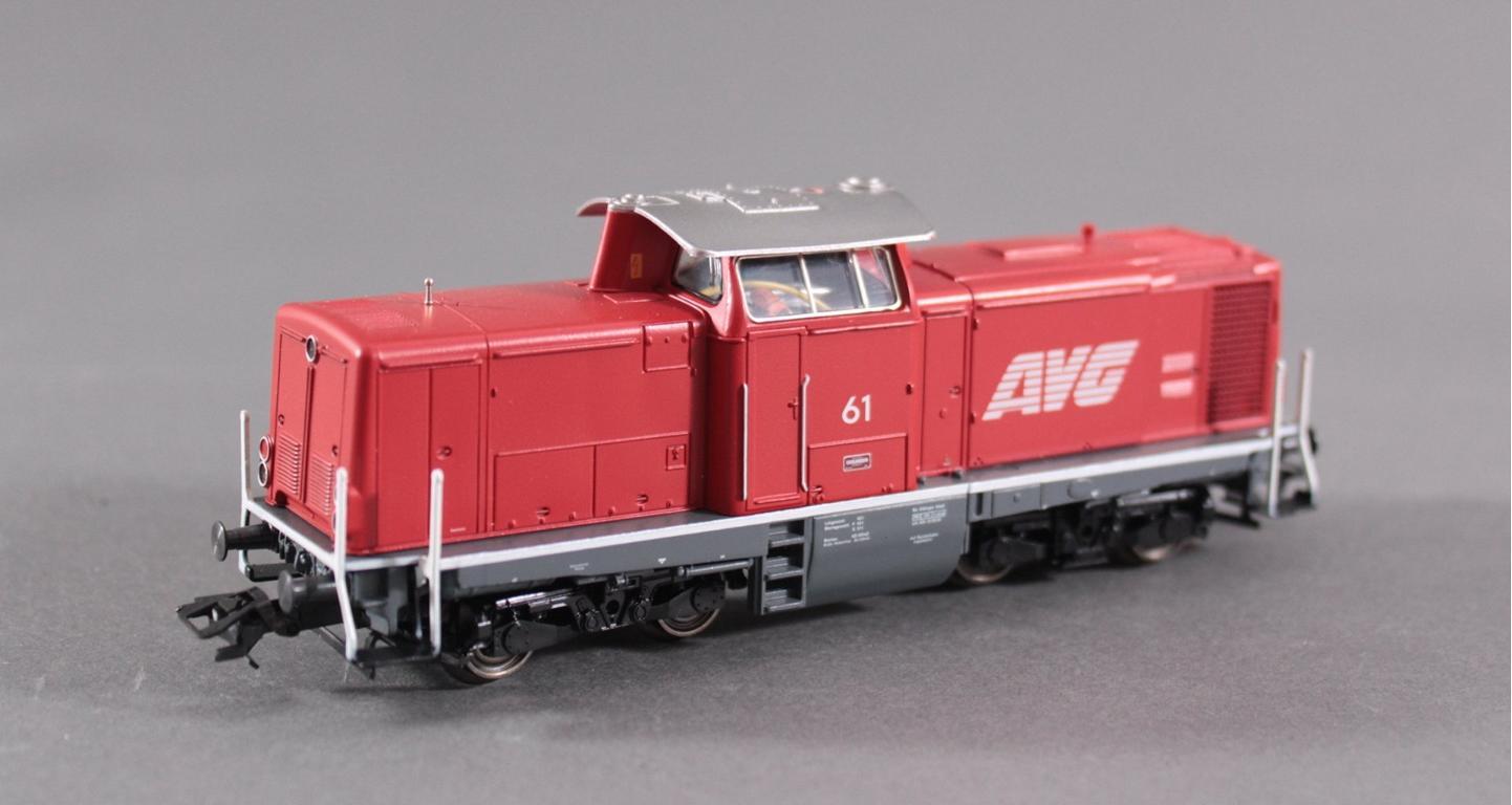 Märklin Lok mit 4 Güter- / Personenwaggons-2