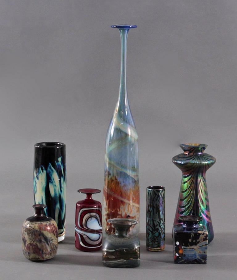 Acht Glaskunst-Vasen