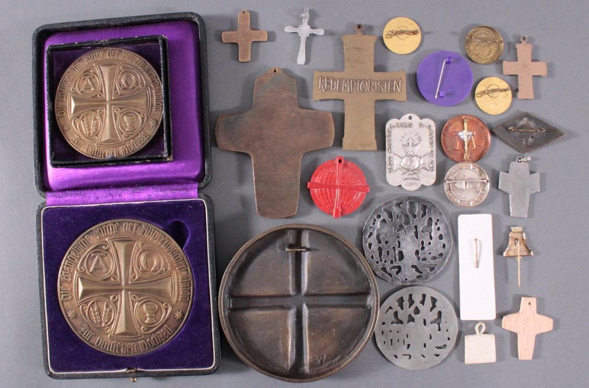 Religion, Medaillen und Kreuze-2