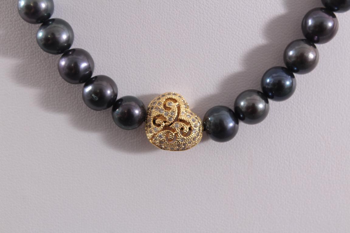 Perlenkette mit schwarzen Perlen und Herz-2