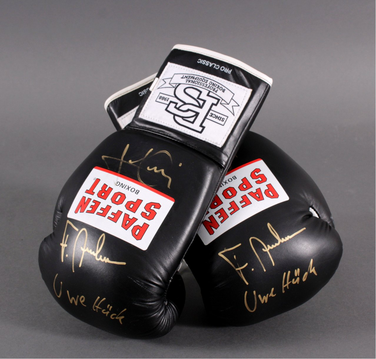 Boxhandschuhe signiert Uwe Hück und Luan Krasniqi