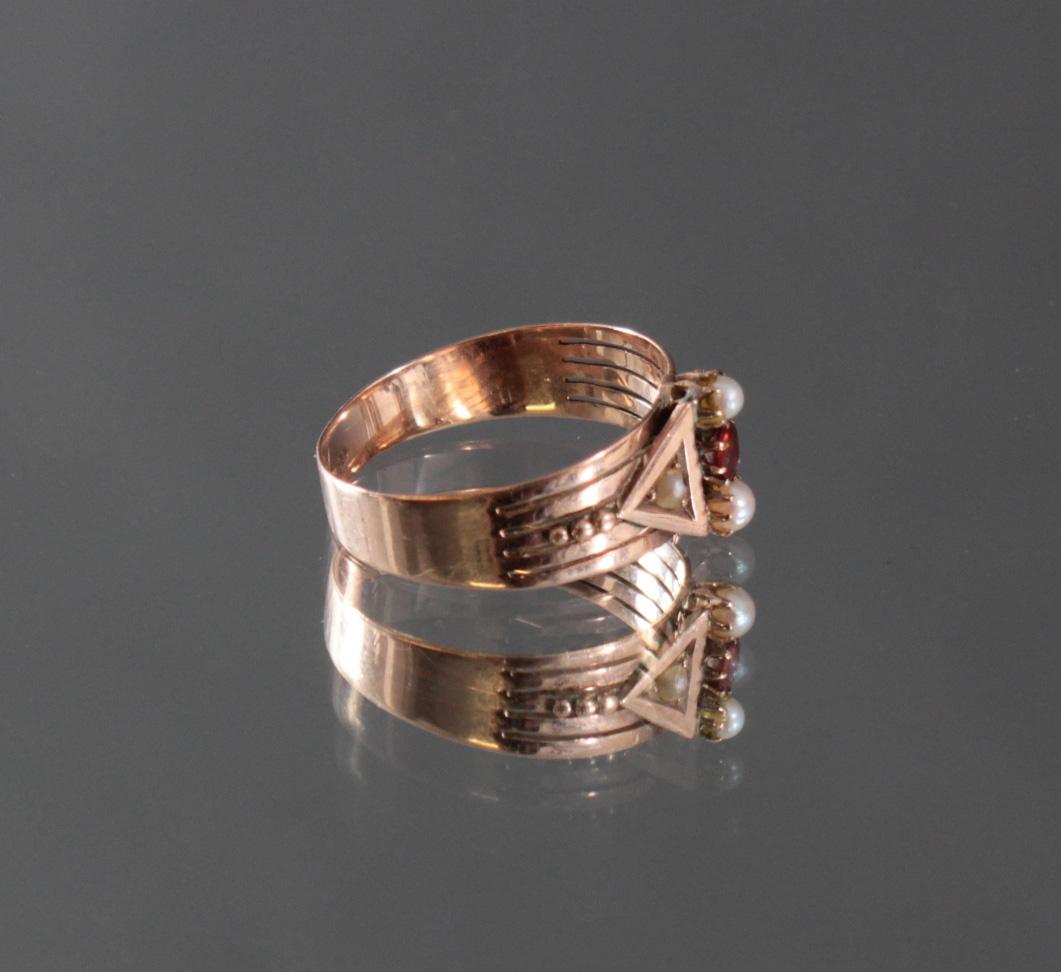 Damenring mit Perlen und Granat-Besatz im Diamantschliff-2