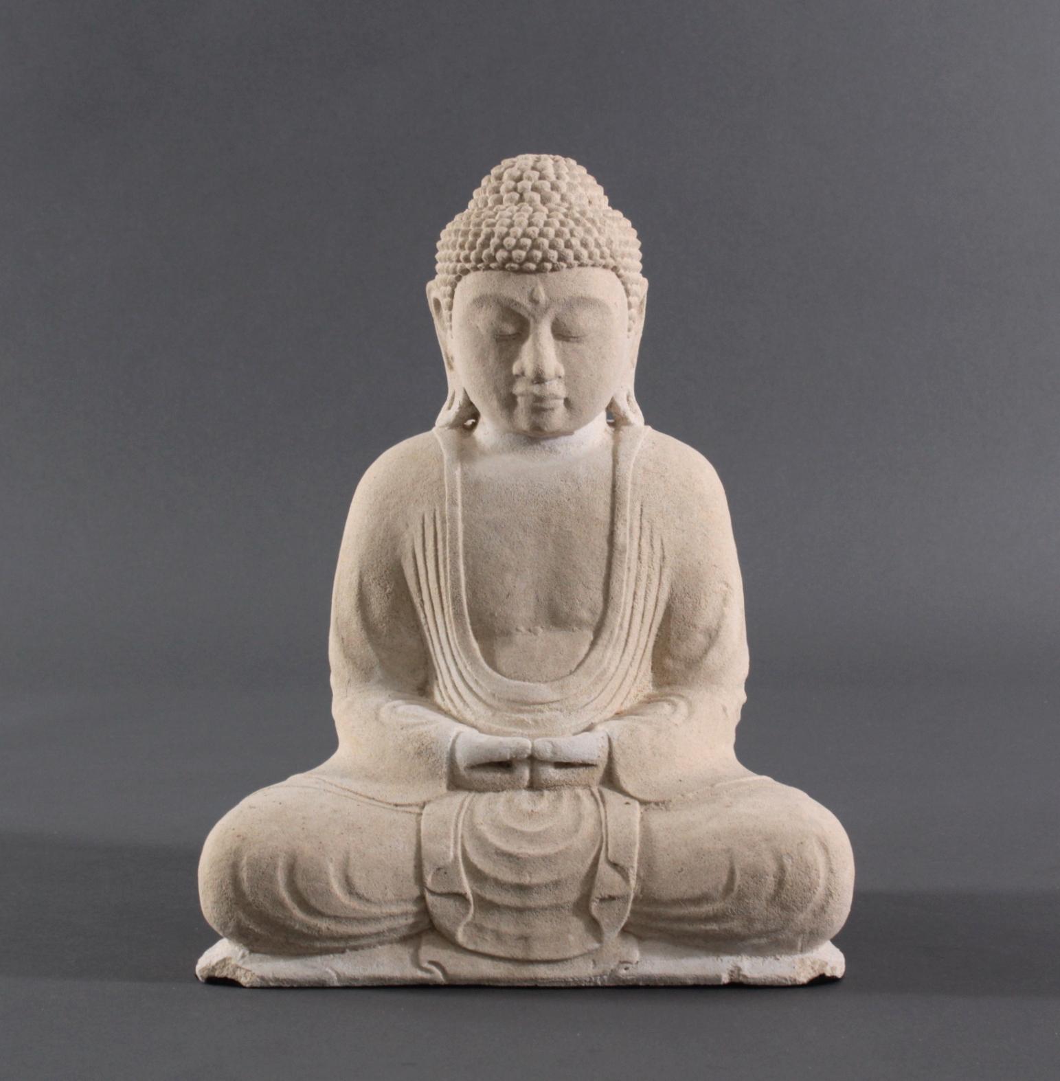 Buddha Figur Sandstein – Besinnung und Meditation