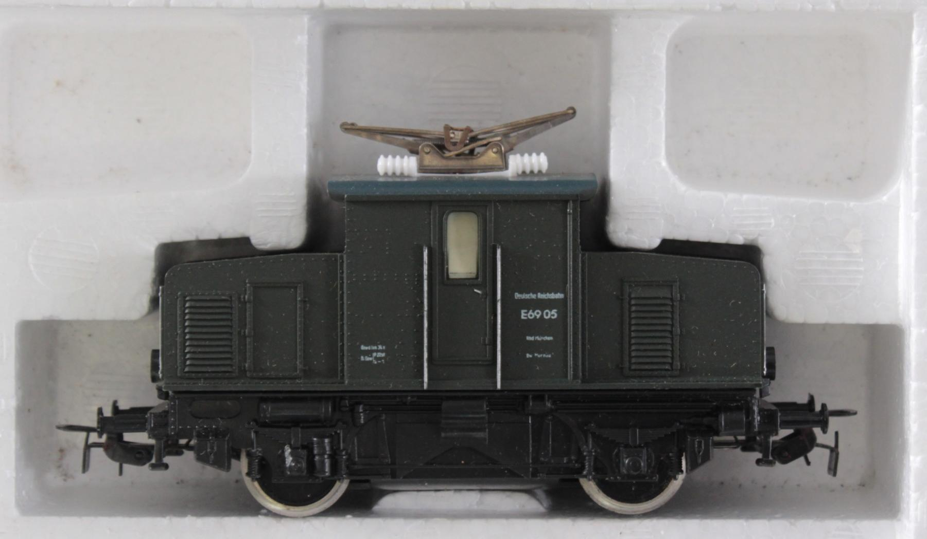 Piko Komplettanlage mit 2 E-Loks und 1 Dampflok Spur H0 in der Originalverpackung-4
