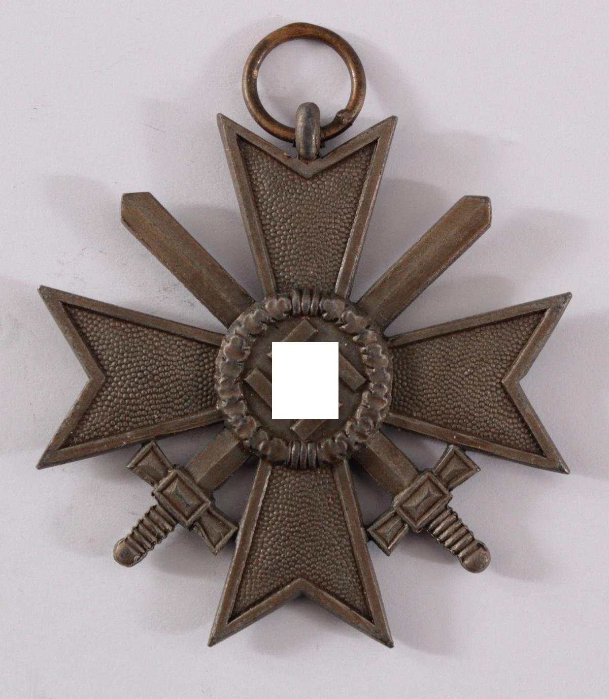 Drittes Reich, Kriegsverdienstkreuz 2 Klasse mit Schwertern und Verleihungsurkunde-2