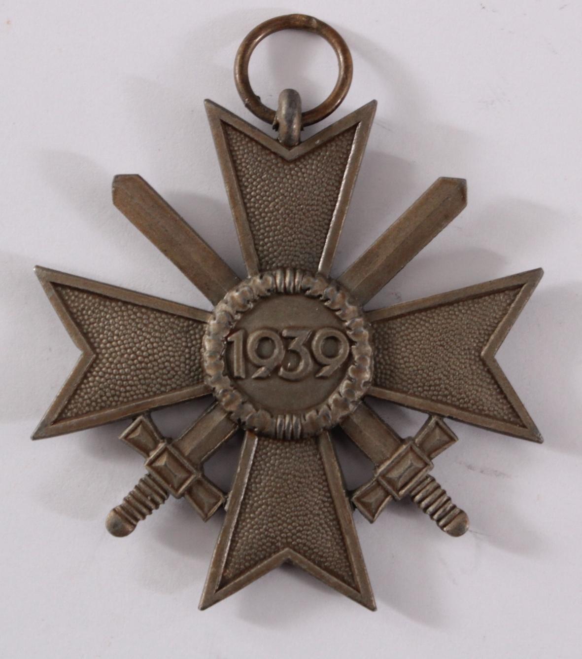 Drittes Reich, Kriegsverdienstkreuz 2 Klasse mit Schwertern und Verleihungsurkunde-3