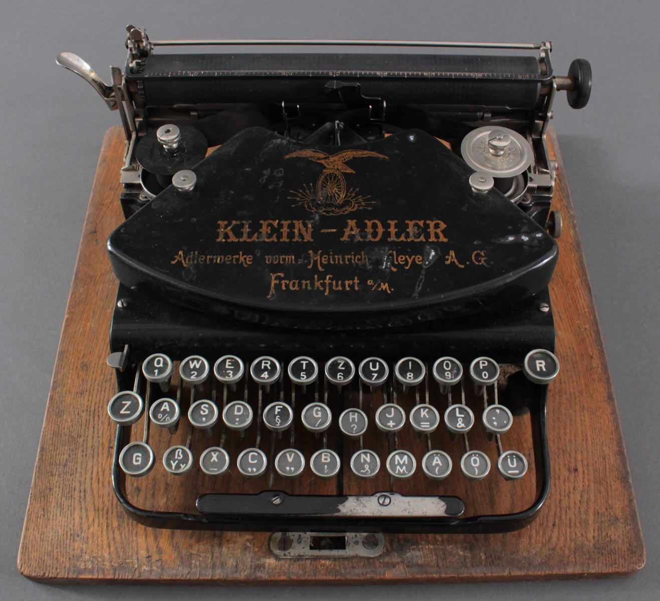 Klein-Adler Schreibmaschine um 1920