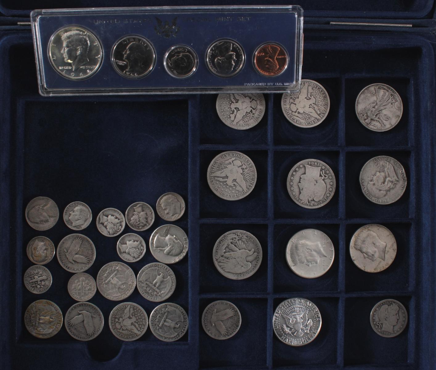 USA, Münzsammlung in blauer Sammelbox