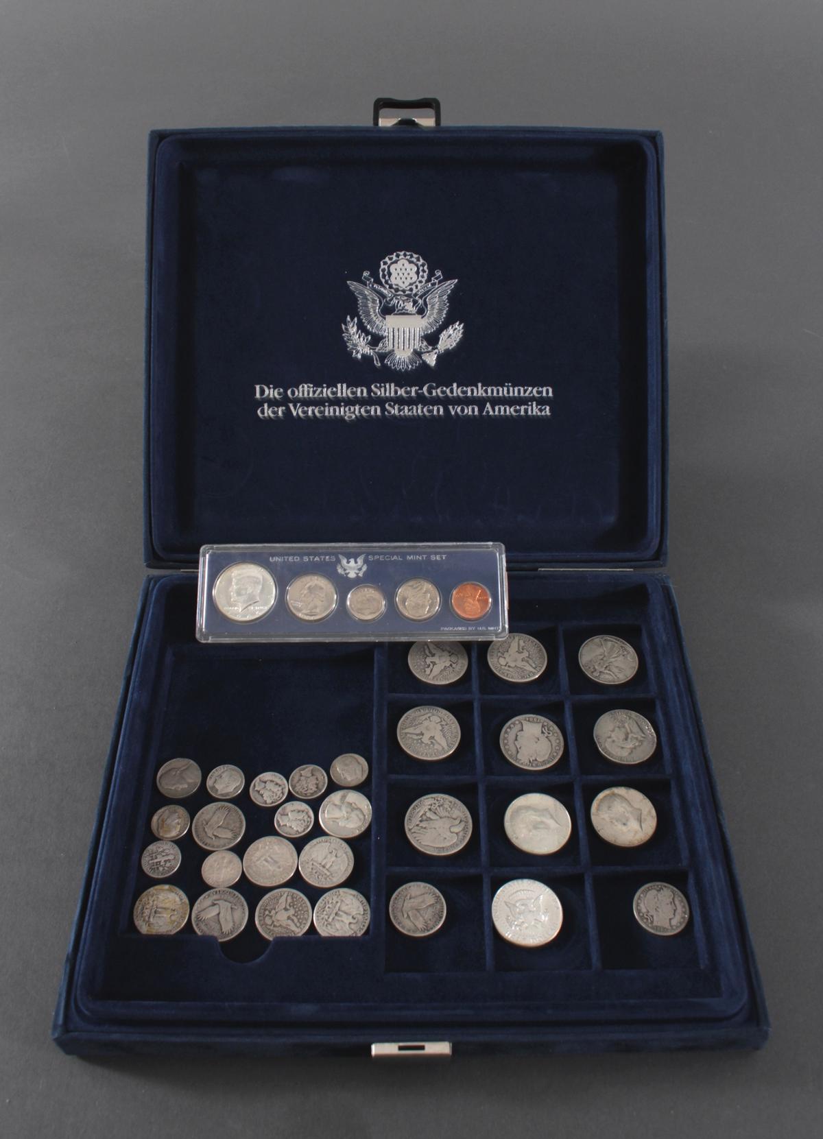 USA, Münzsammlung in blauer Sammelbox-6