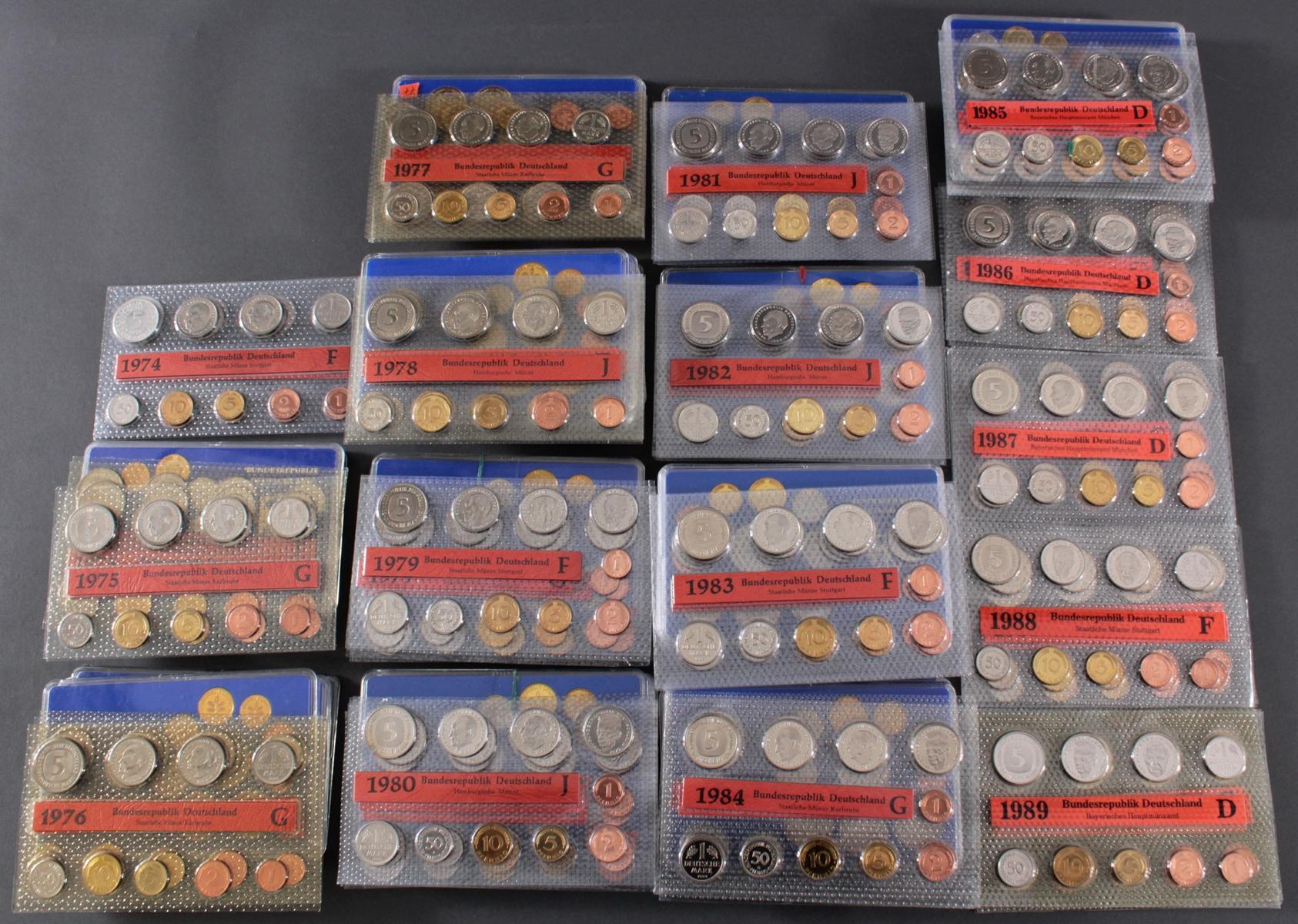Sammlung Kursmünzensätze in allen Prägeanstallten 1974 – 1989