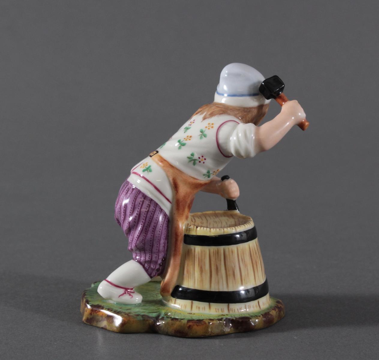 Porzellanfigur, Höchster Porzellanmanufaktur, 'Der kleine Böttcher'-4