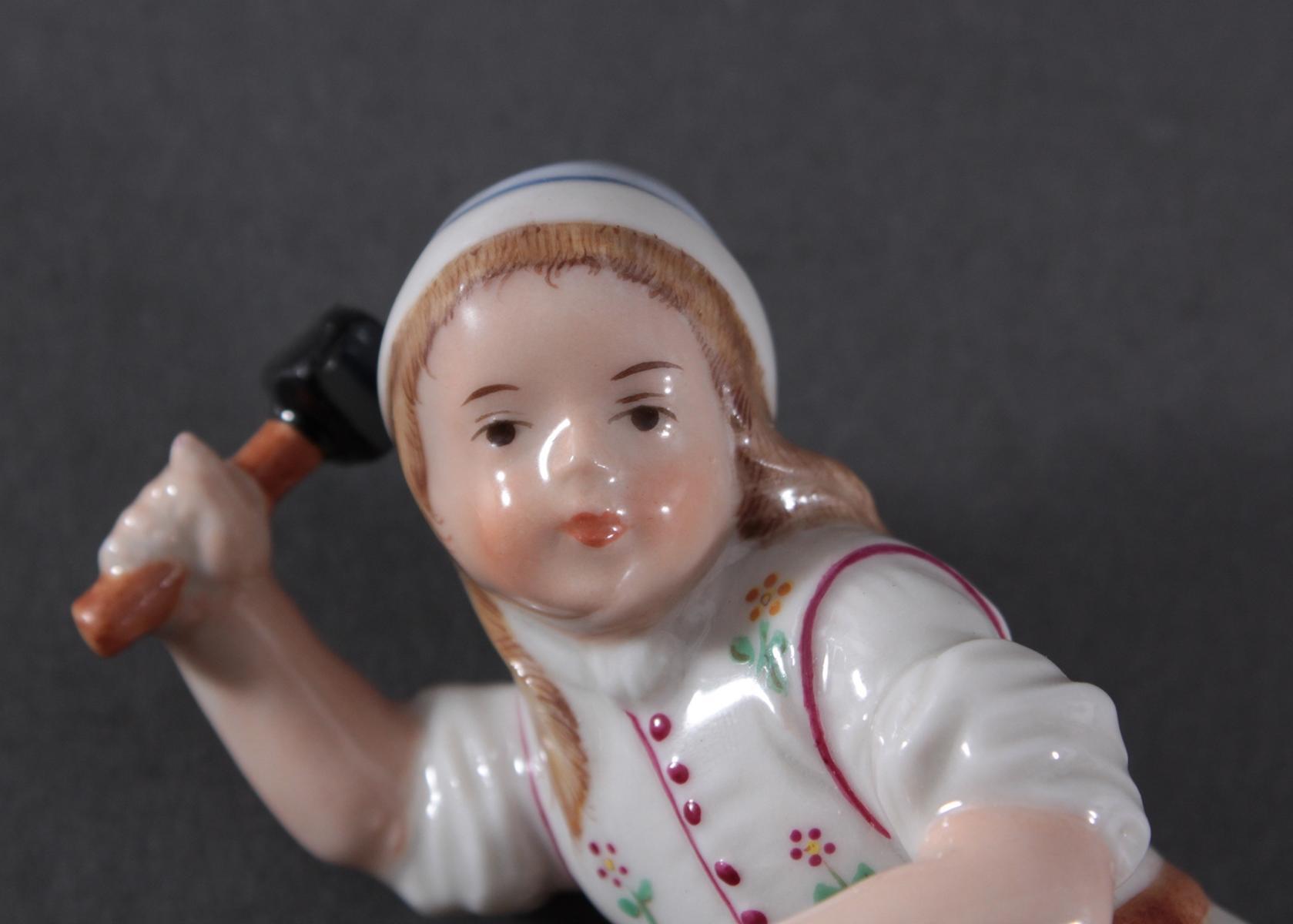 Porzellanfigur, Höchster Porzellanmanufaktur, 'Der kleine Böttcher'-6