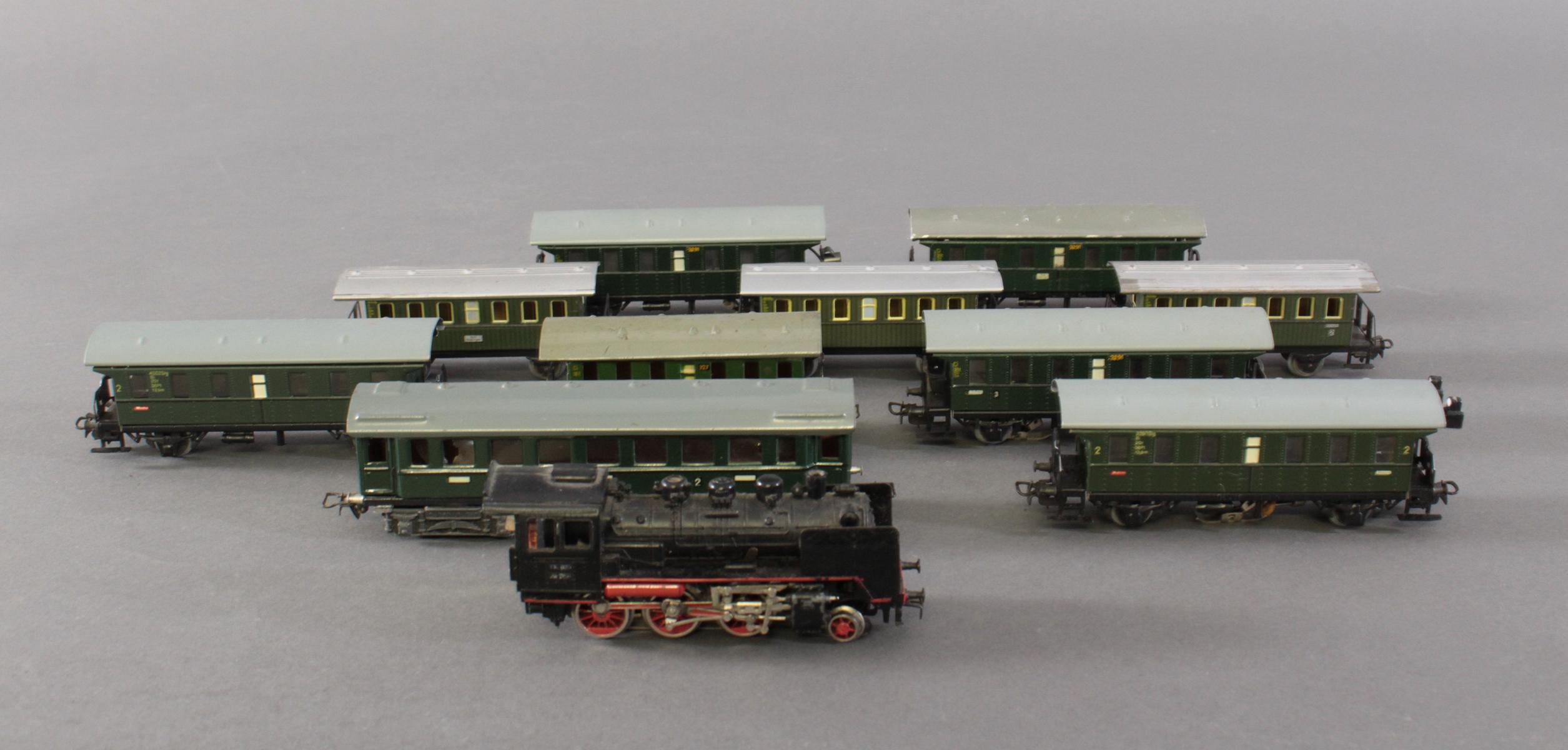 Märklin Dampflok BR 24 058 mit 10 Personenwaggons aus Blech, Spur H0