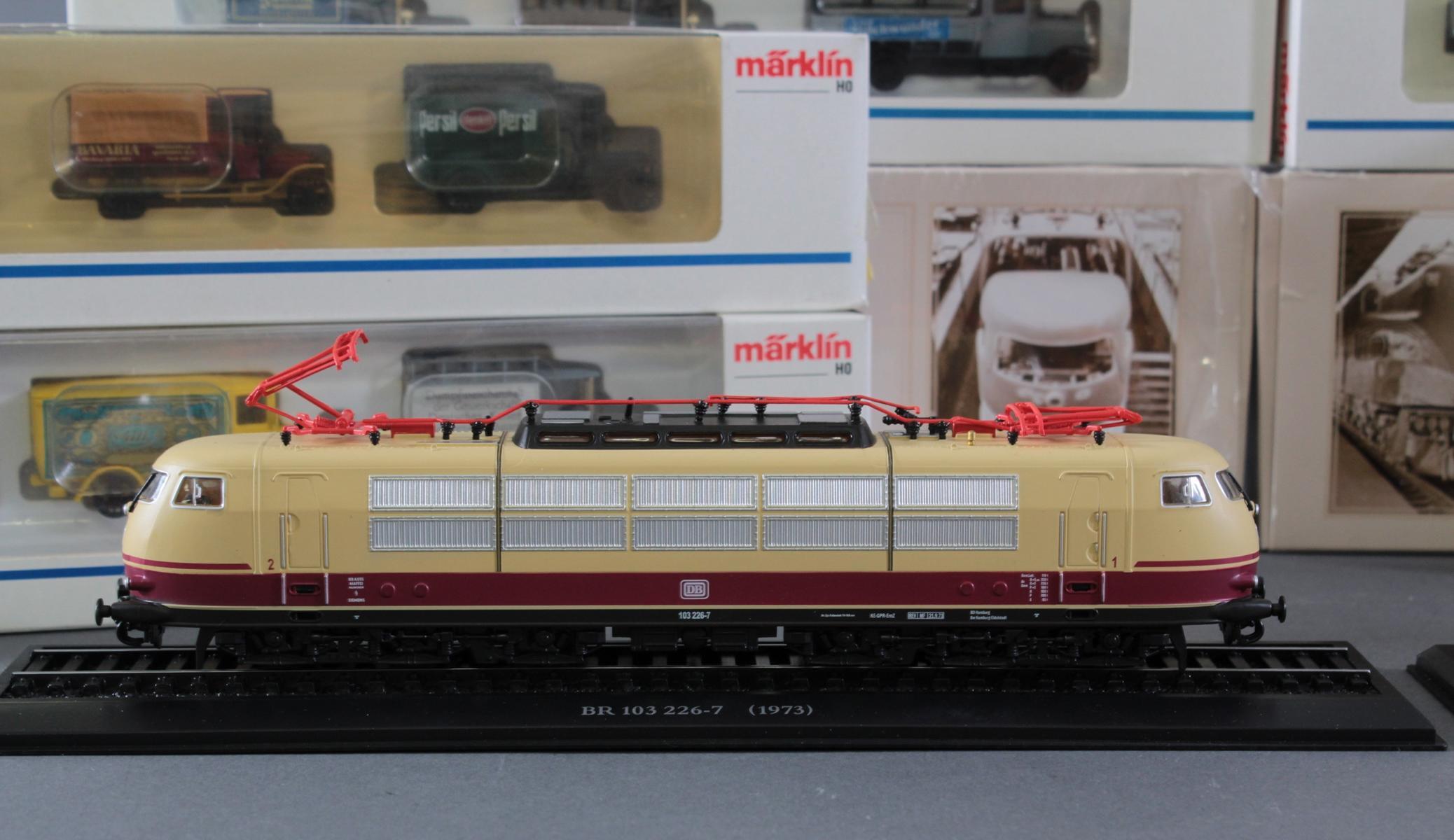Märklin Modellautos und Atlas Zugmodelle in der original Verpackung, Spur H0-2