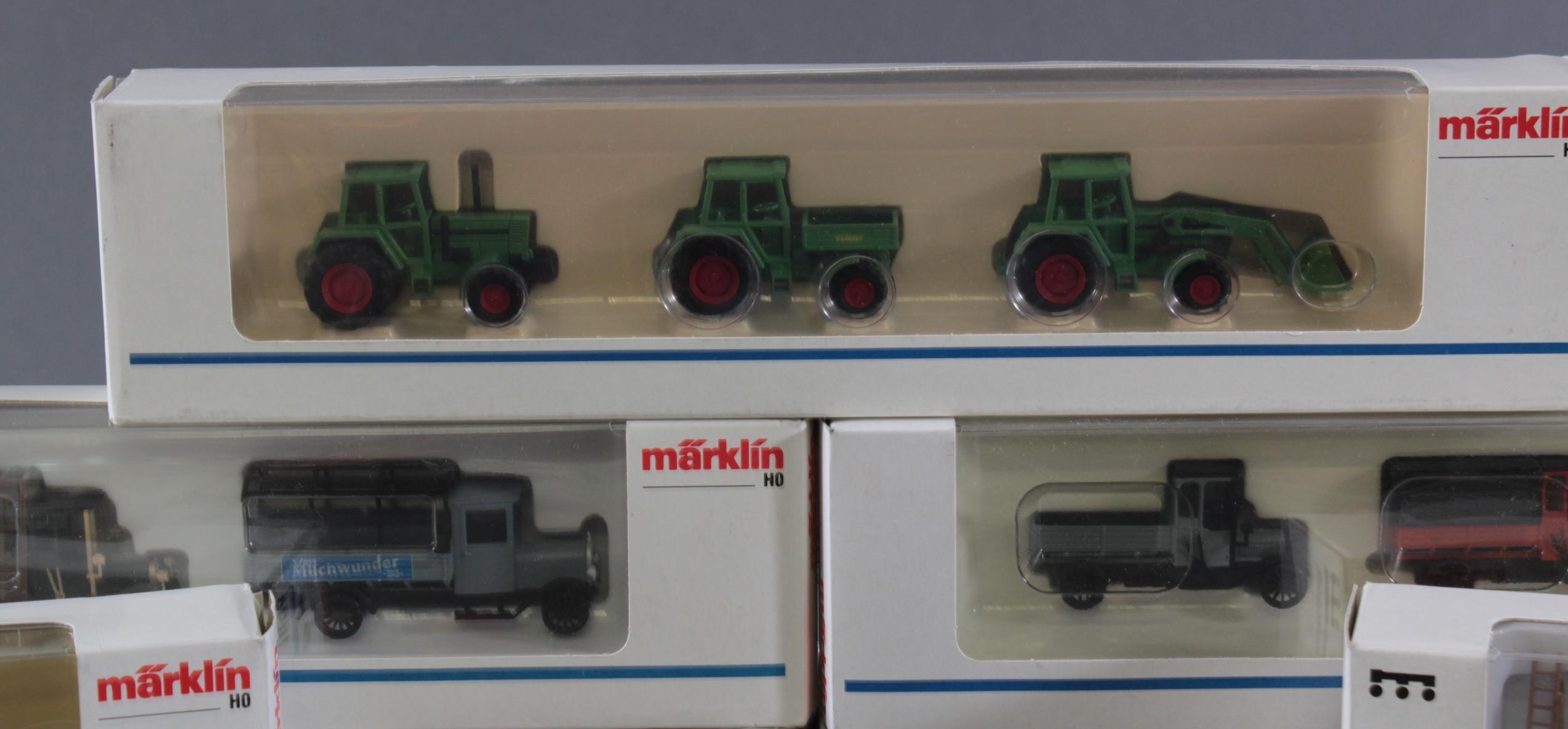 Märklin Modellautos und Atlas Zugmodelle in der original Verpackung, Spur H0-5