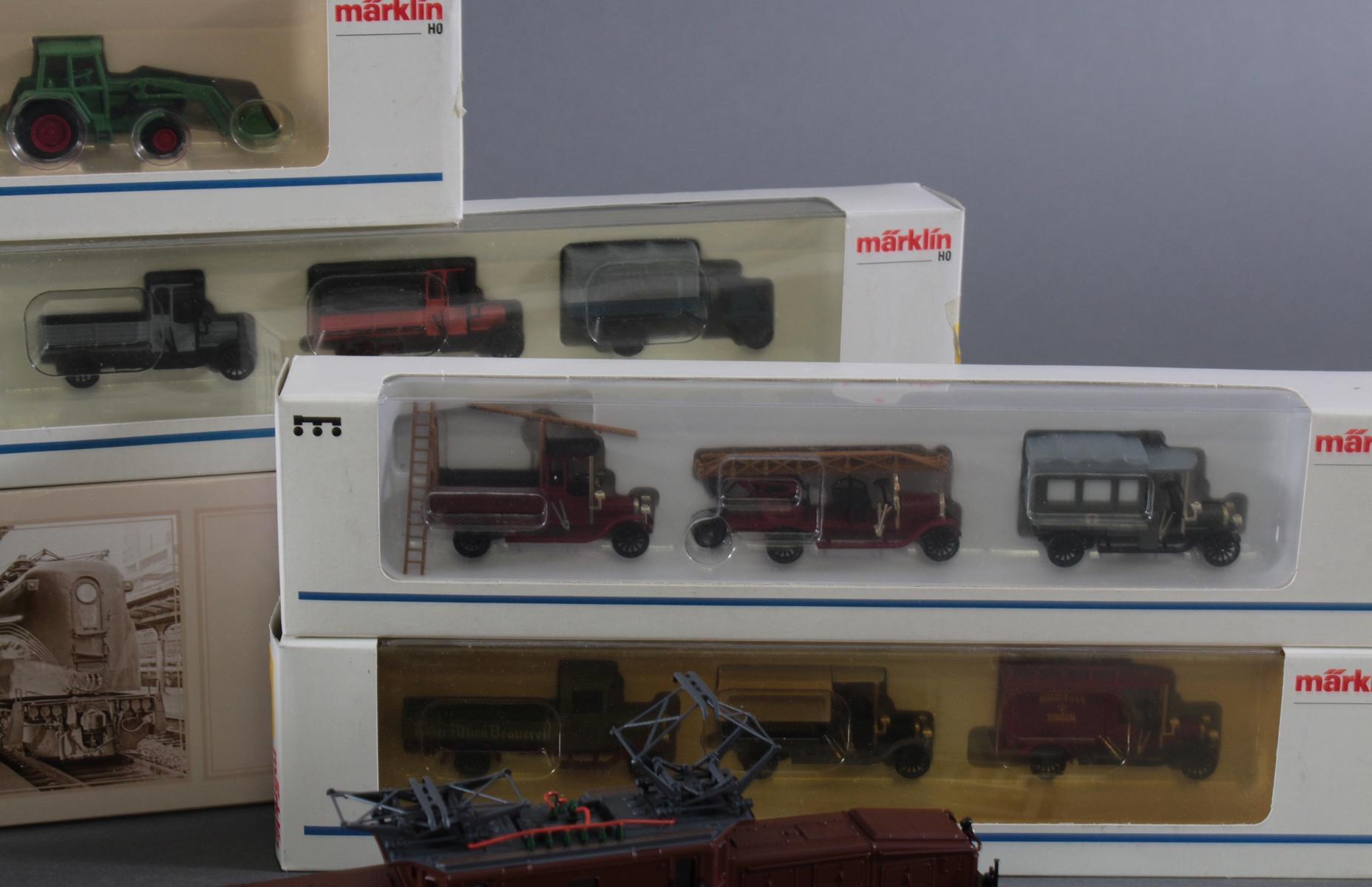 Märklin Modellautos und Atlas Zugmodelle in der original Verpackung, Spur H0-6