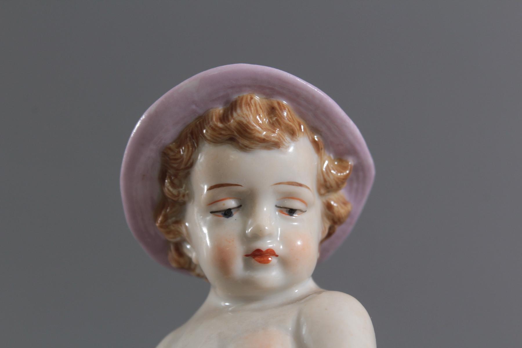 Porzellan-Skulptur Müller und Co., Volkstedt, 'Allegorie des Herbstes-6