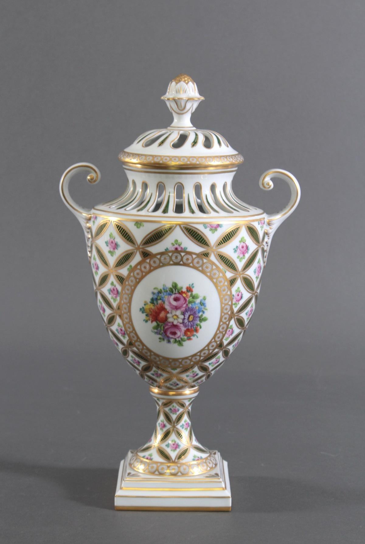 Potpourri Vase, Potschappel Dresden-3