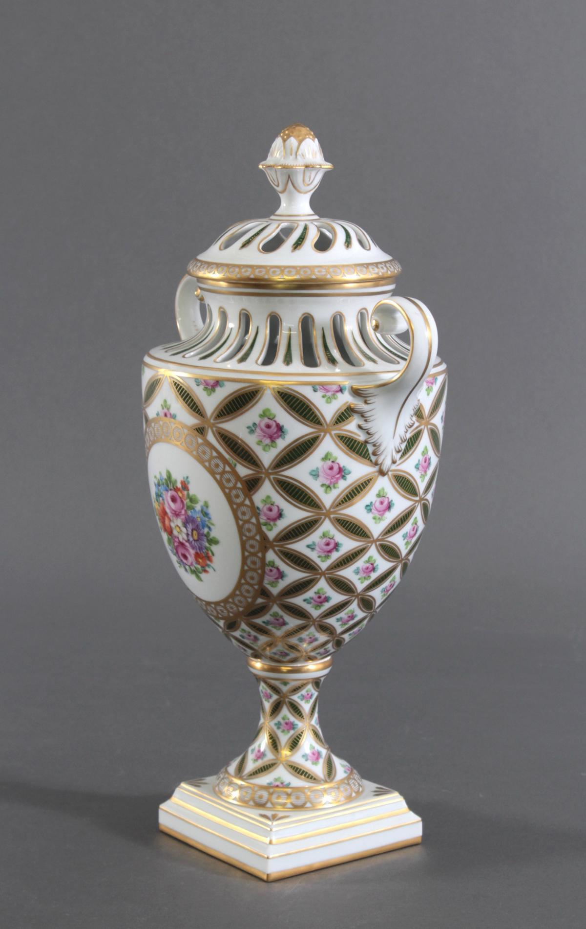 Potpourri Vase, Potschappel Dresden-4