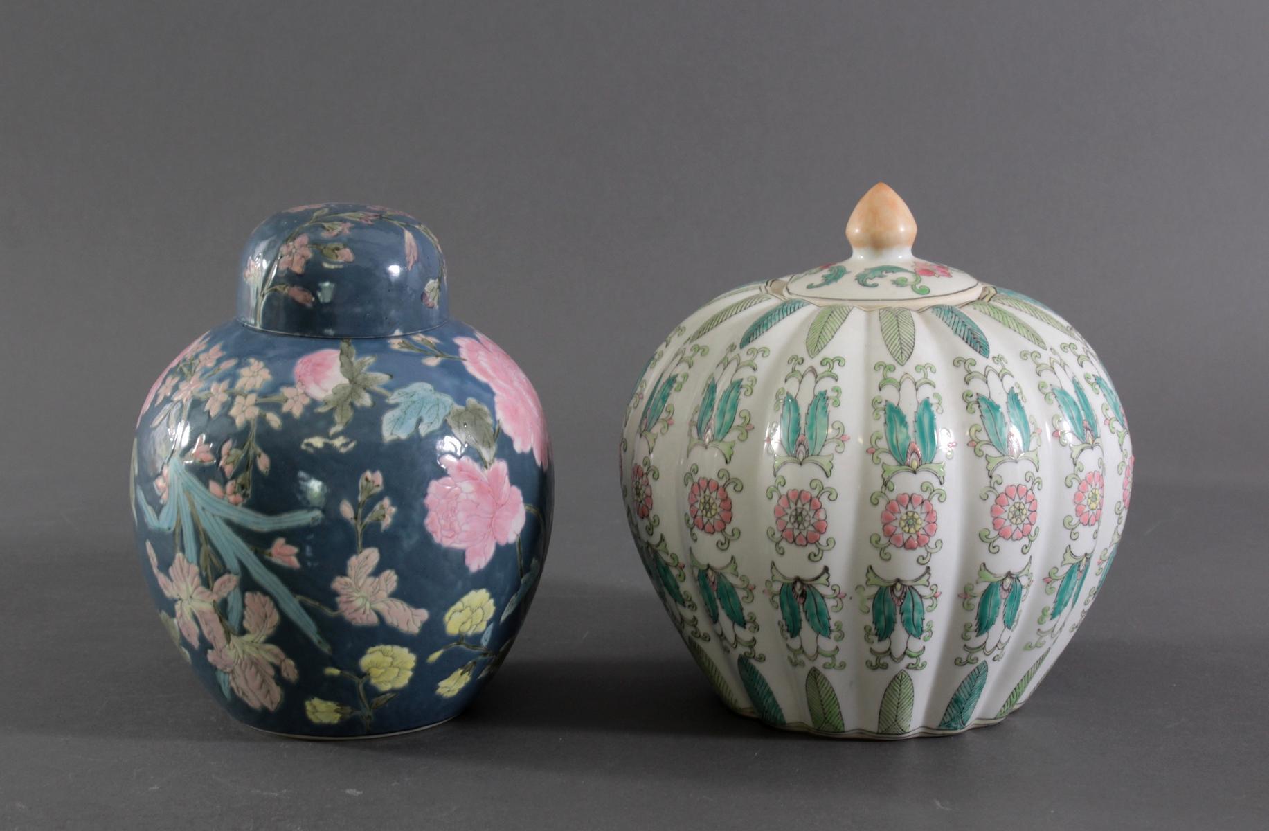 Zwei Deckelvasen China-2