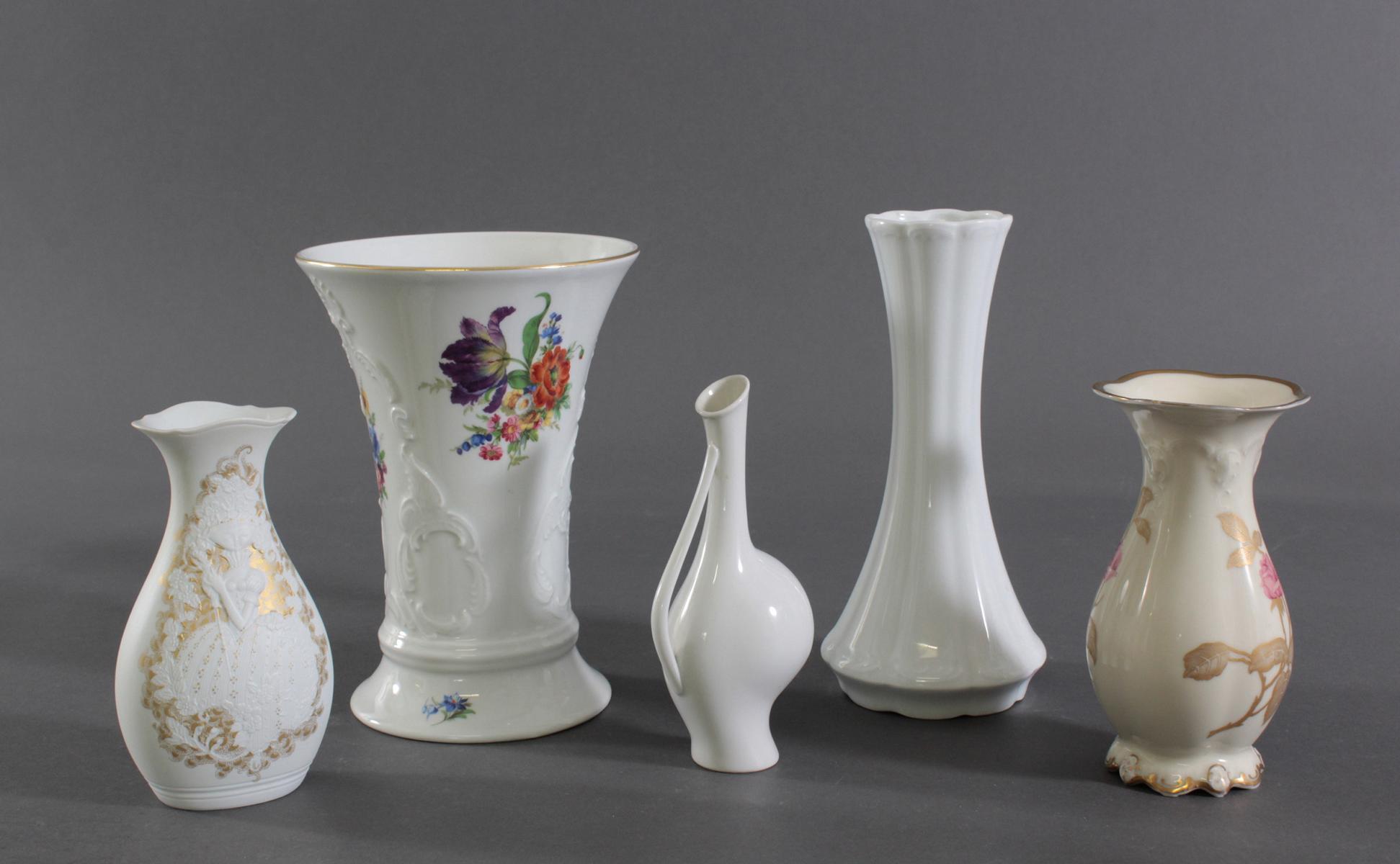 Fünf Vasen. Manufakturen, Rosenthal, Kaiser und Royal Porzellan Bavaria-2