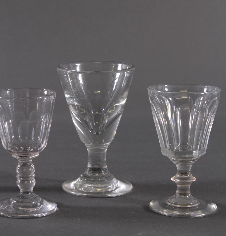 Fünf  Wein-/Absinthgläser, 19. Jahrhundert-4