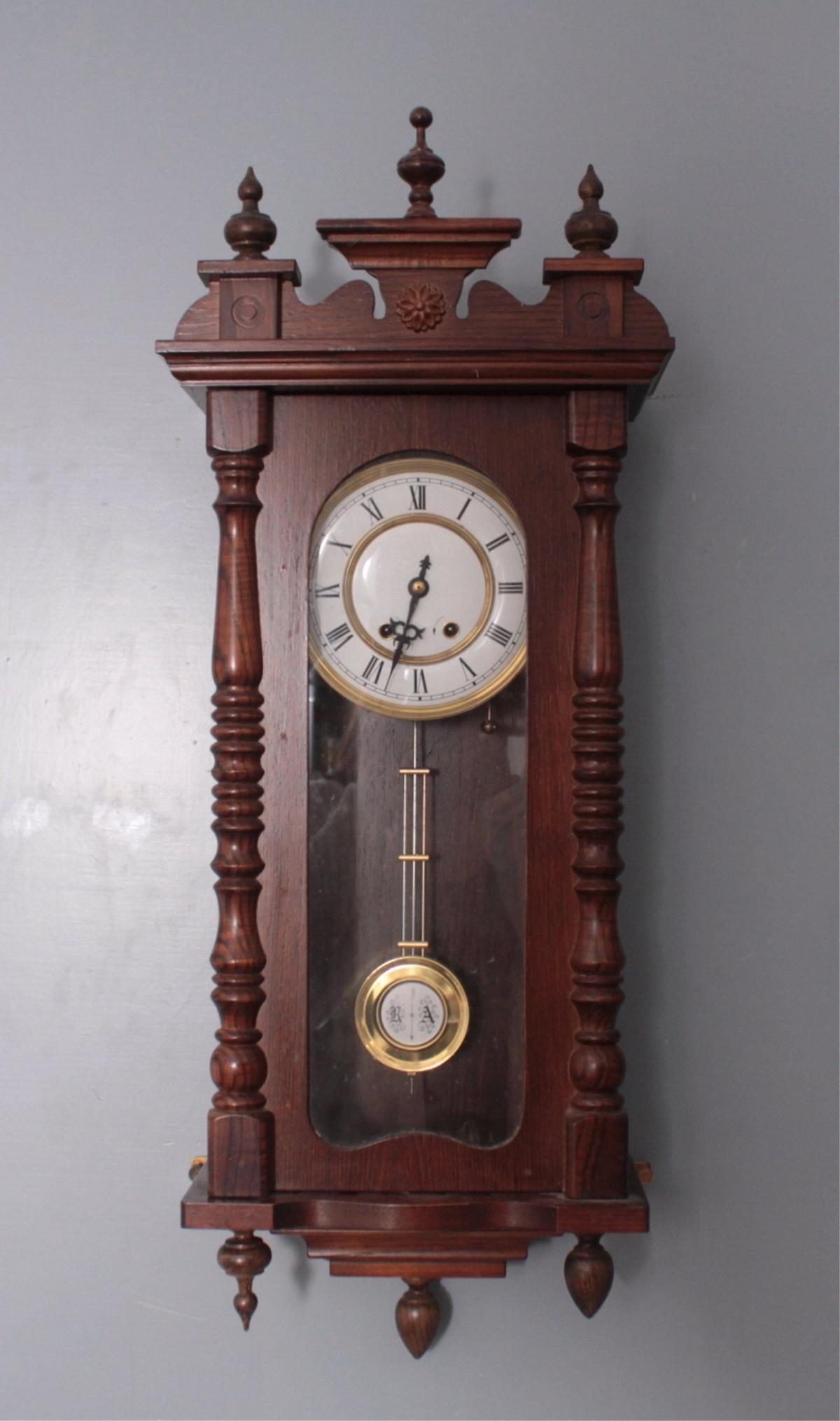 Regulator im Stil des 19. Jahrhunderts