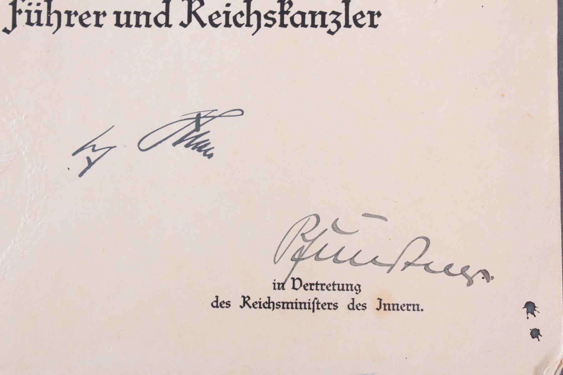 Urkunde mit Autograph Dr. Hans Pfundtner-2