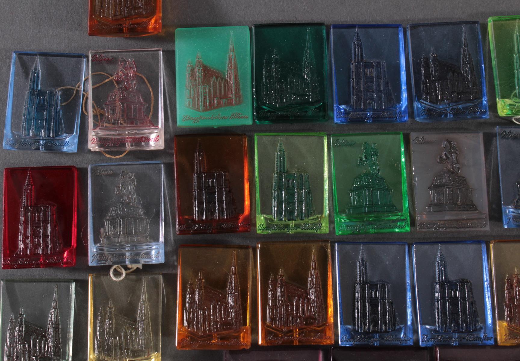 Konvolut WHW Abzeichen Baudenkmäler aus Glas-2