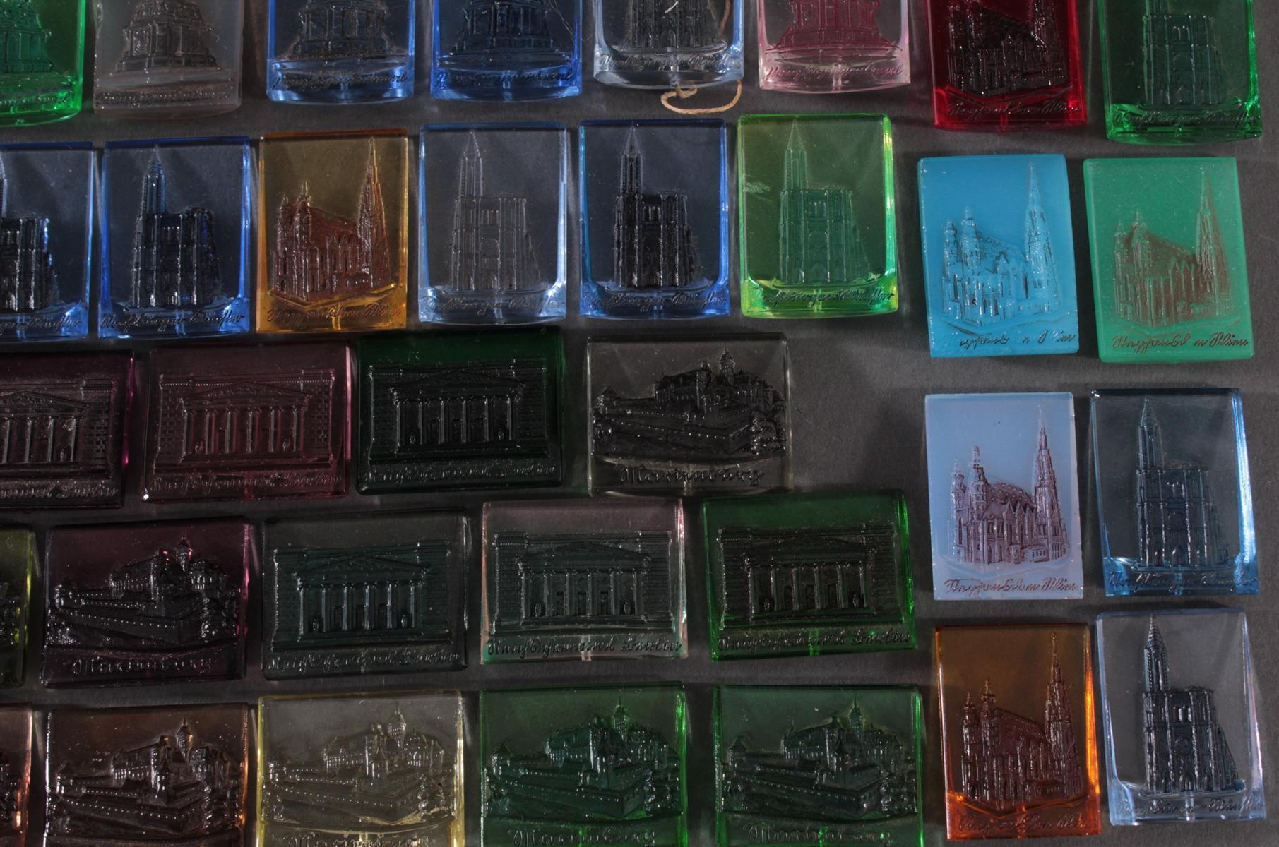Konvolut WHW Abzeichen Baudenkmäler aus Glas-4