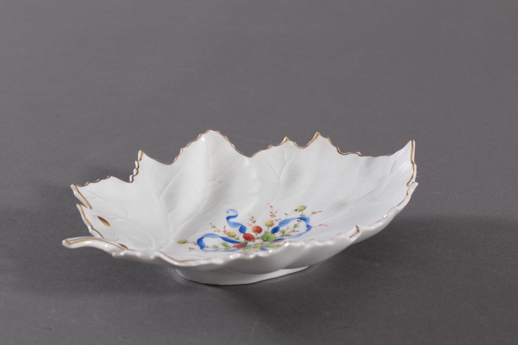 Blattschale Höchster Porzellanmanufaktur, signiert  Kurt Schröder (1927 – 2008).-3
