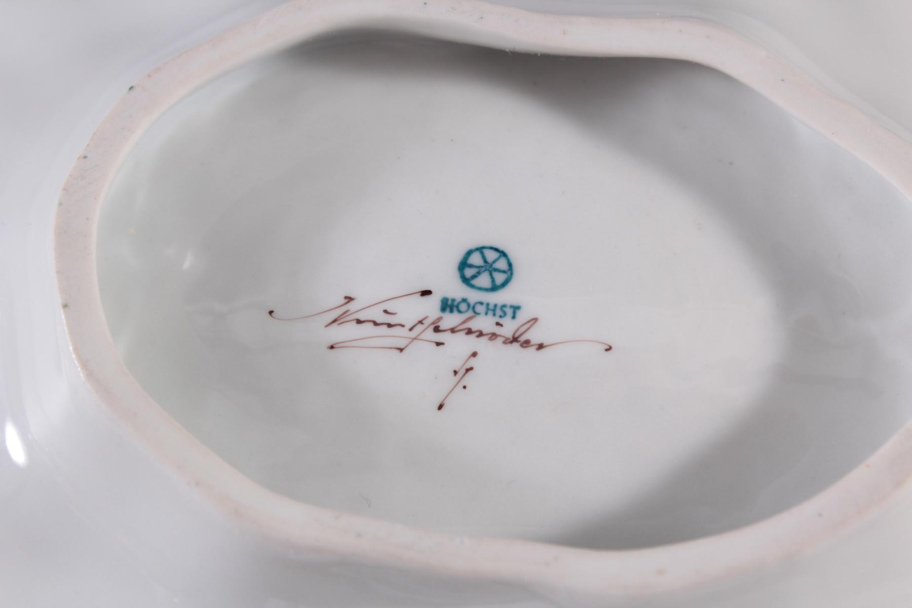 Blattschale Höchster Porzellanmanufaktur, signiert  Kurt Schröder (1927 – 2008).-4