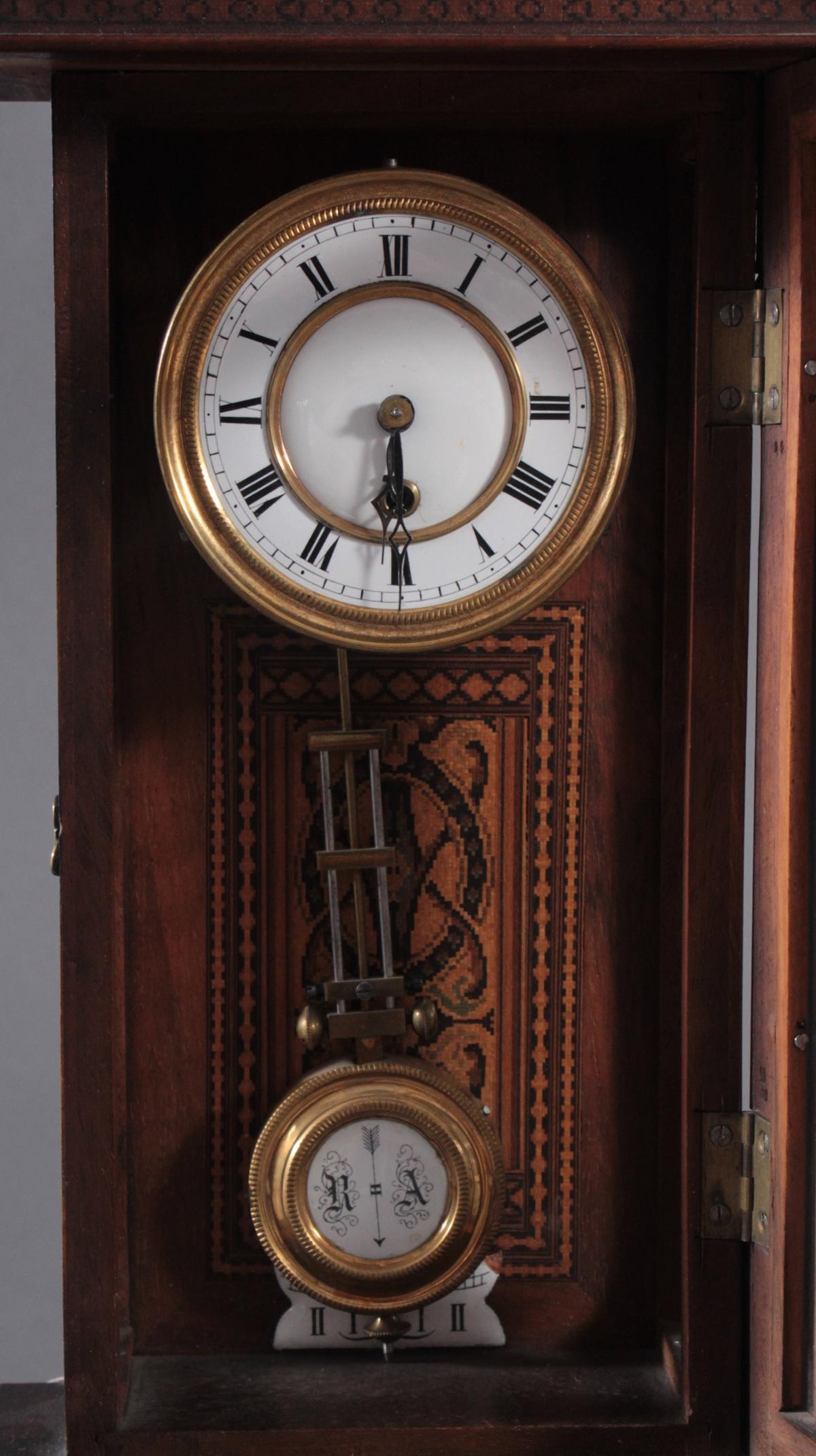 Kleine Wanduhr um 1900-4