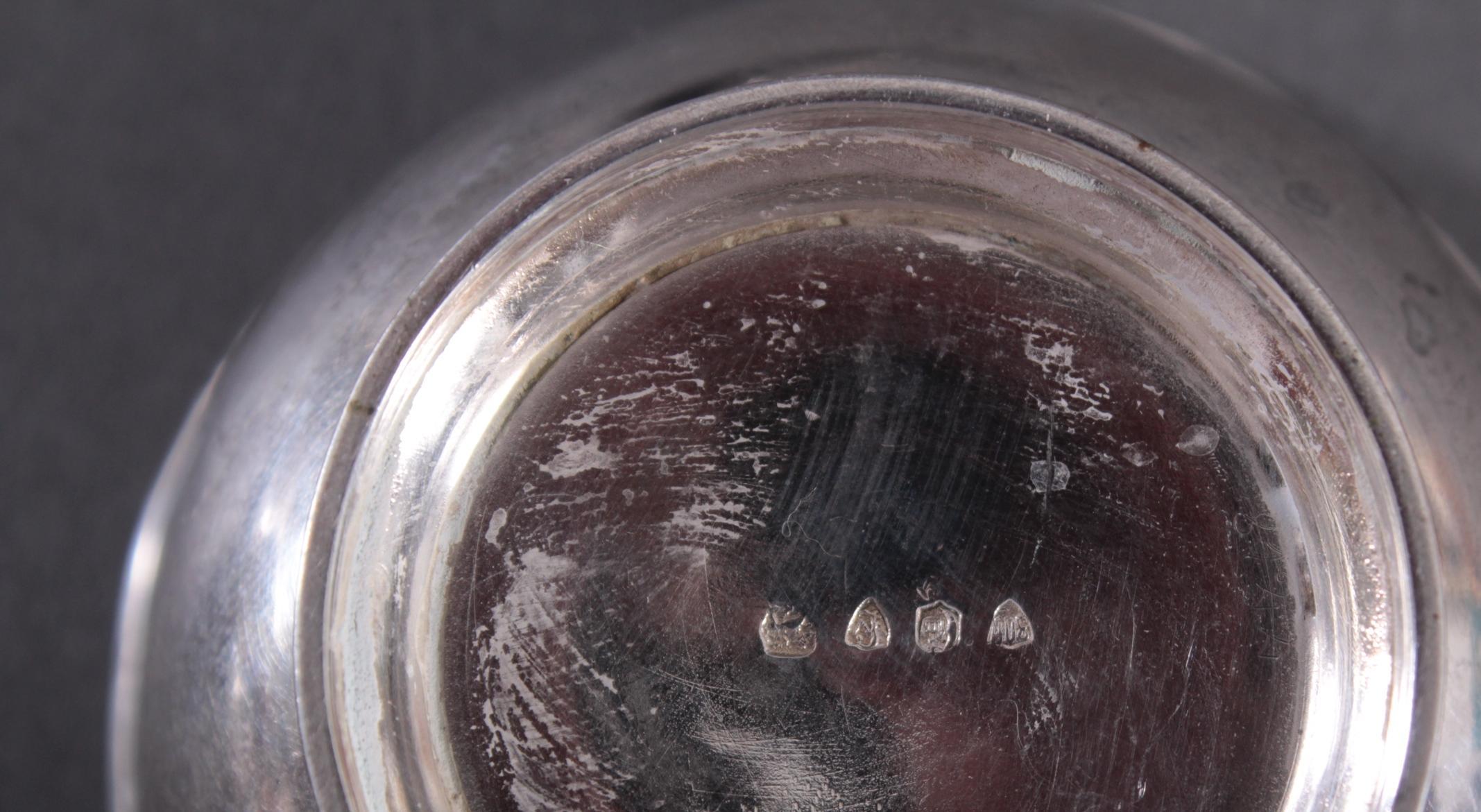 Paar silberne Teesiebe mit Abtropfschalen um 1900-5