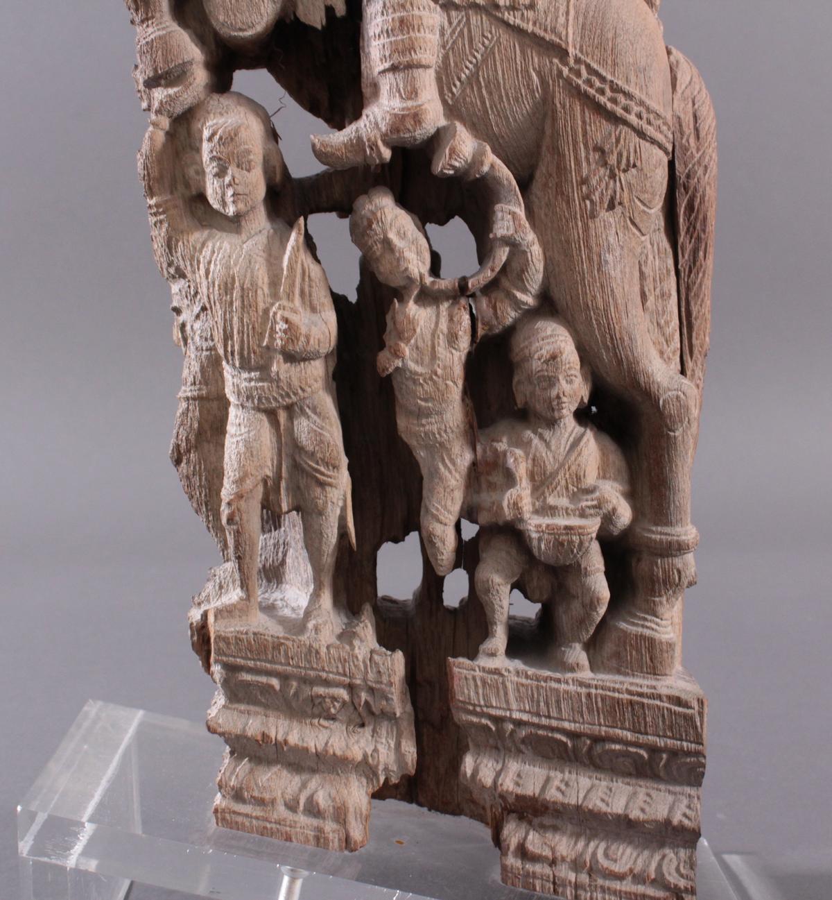 Holzplastik eines Reiters auf einem Pferd, Indien wohl Orissa 15./16. Jh.-10