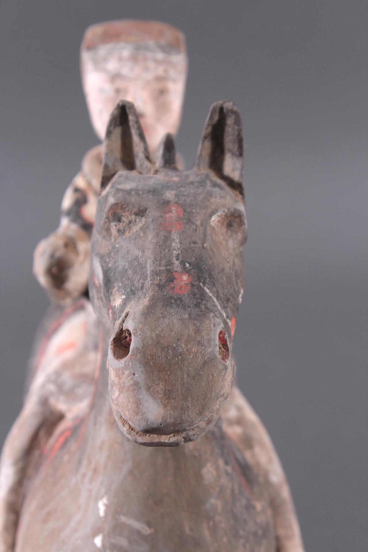 China Han-Dynastie, Pferd mit Reiter aus gebranntem Ton-6