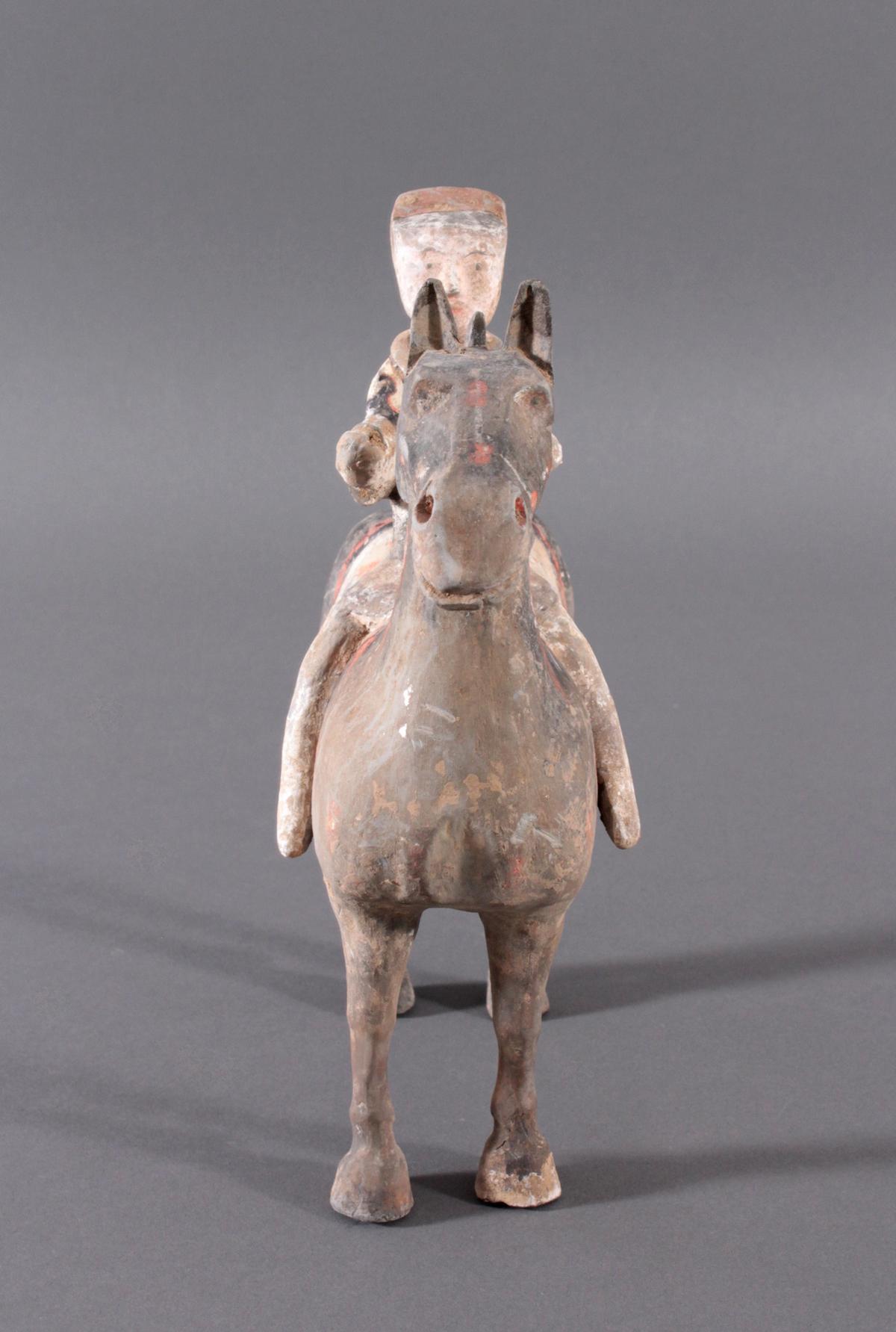 China Han-Dynastie, Pferd mit Reiter aus gebranntem Ton-7
