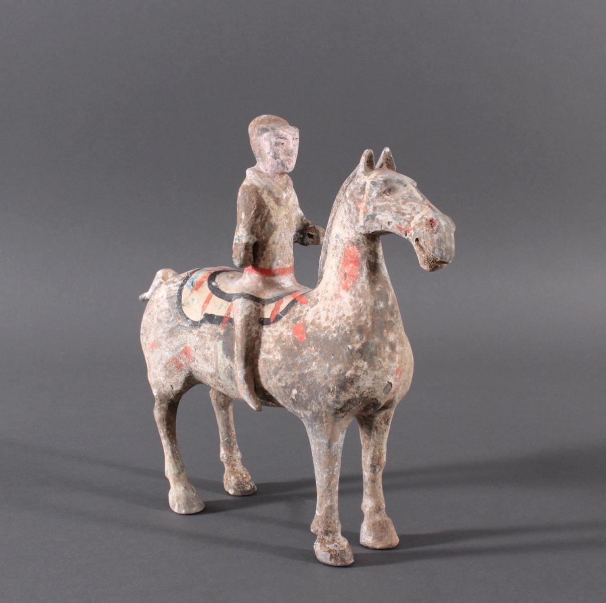 China Han-Dynastie, Pferd mit Reiter aus gebranntem Ton-2