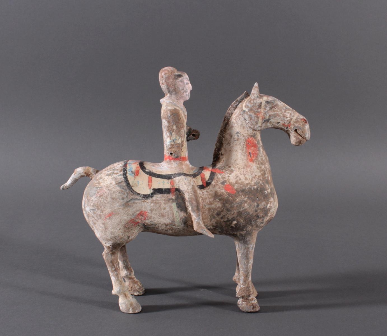 China Han-Dynastie, Pferd mit Reiter aus gebranntem Ton-3